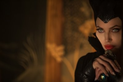 - Demóna - Maleficent